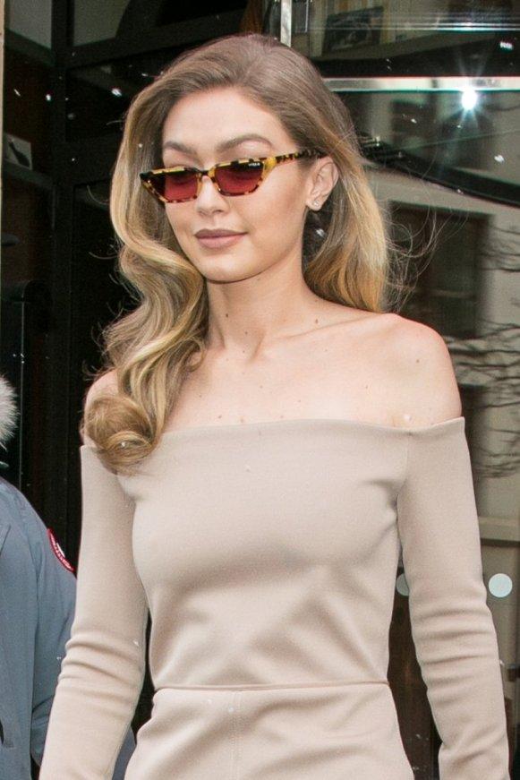 Gigi-wore-her-Gigi-Hadid-Vogue-Eyewear-sunglasses-she-exited