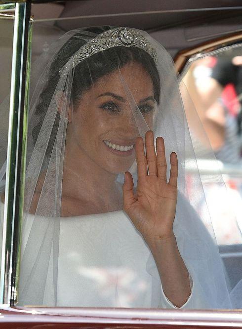 hbz-meghan-markle-wedding-dress-gettyimages-960049528-1526728952